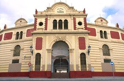 [arquitectura-exterior_plaza_de_toros-almeria-img-1[1].jpg]