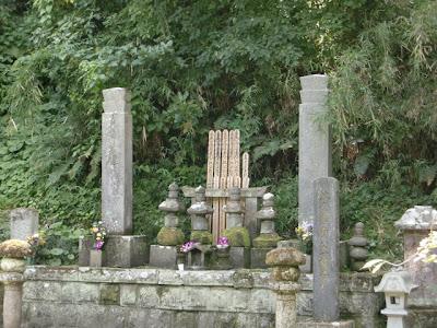 比企一族の供養塔