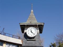 とんがり帽子の時計台