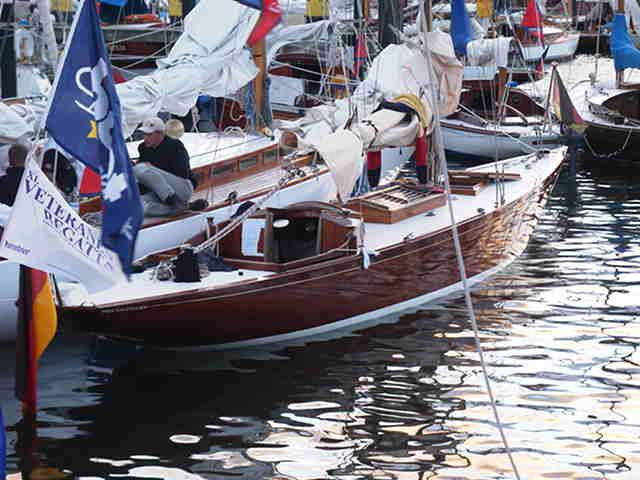 ruder seitlich bei einer yacht