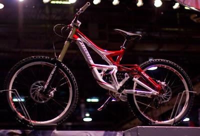 7a676321a30 Sam Hill Specialized Demo 8 2009?? Links: NSMB · Pinkbike