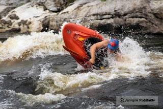 kayak en eau vive descente riviere gatineau