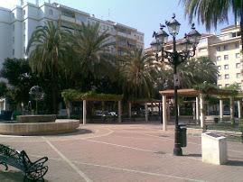 De nuevo en la plaza