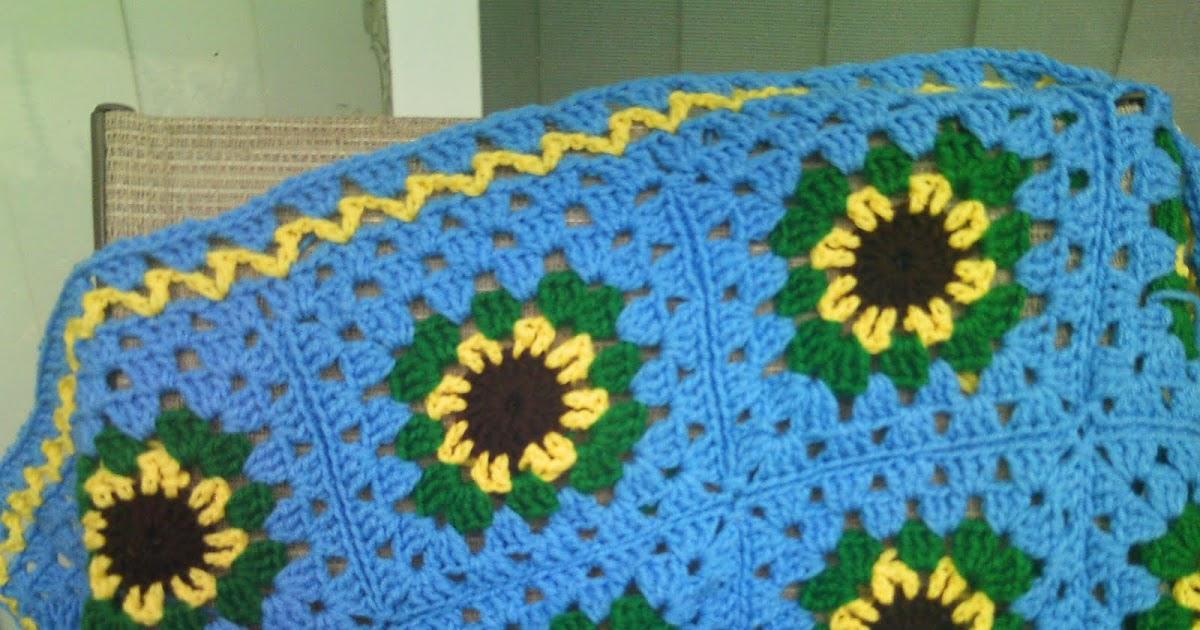 Deb's Crafts: Progress on my Sunflower Baby Blanket