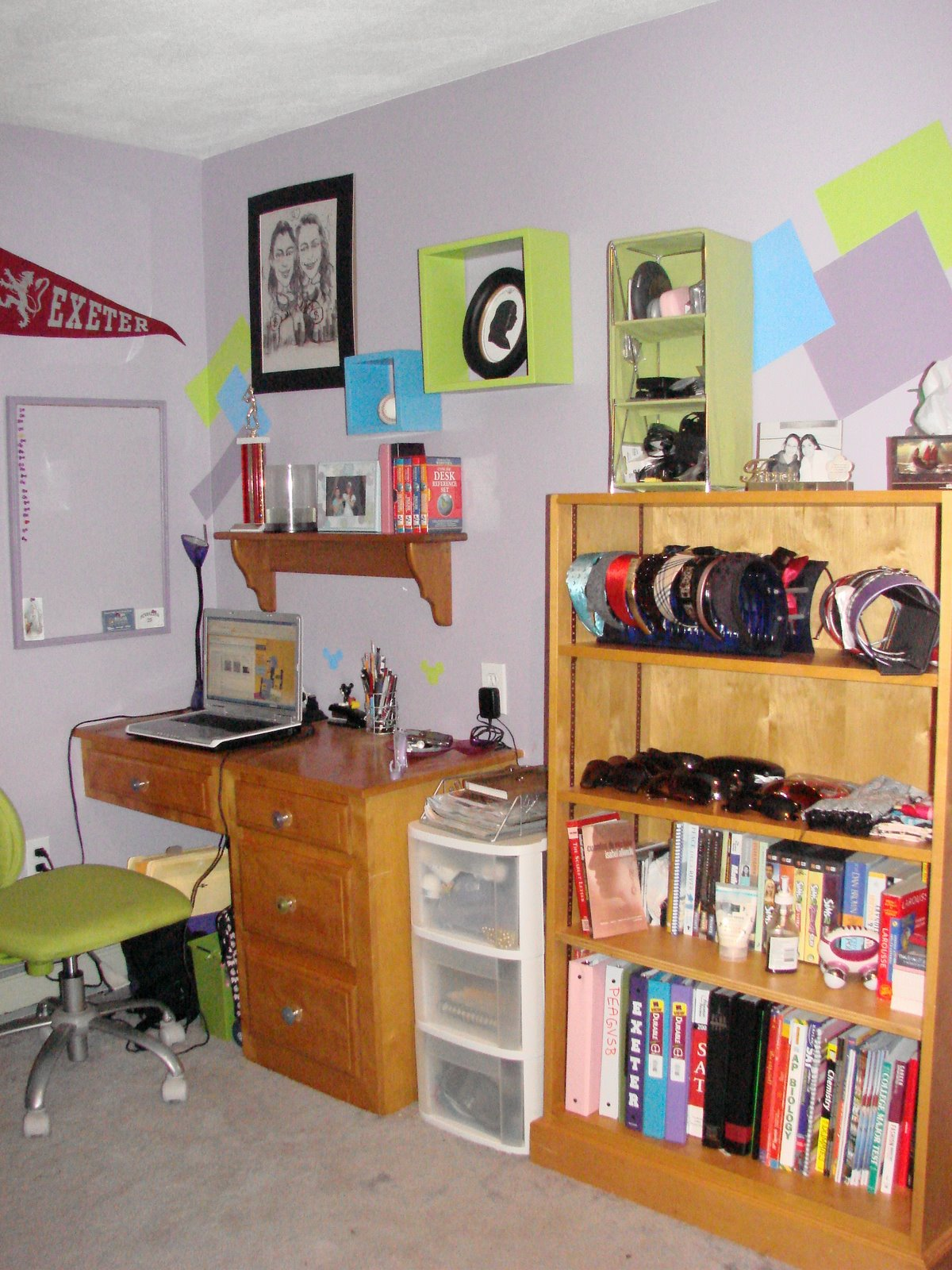 [clean+book+desk.JPG]