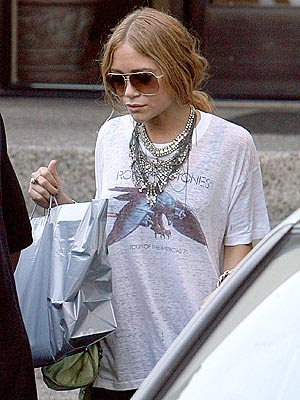 Mary-Kate Olsen has turned into an evil sorceress 01/12/2010