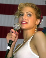 Brittany Murphy USO /></a></div><div class=