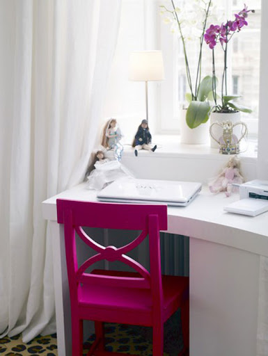 s1600 Re-Accessorize Your Home with Trendy Colors 11