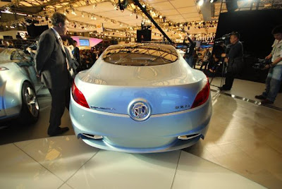Buick Riviera Concept at the 2007 Shanghai Auto Show
