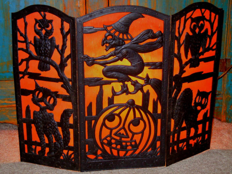 Vintage Halloween Collectibles 54