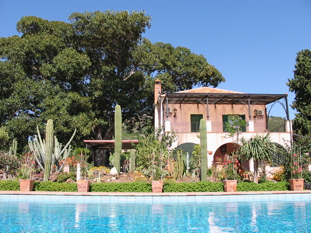 GIANFERRANTE FARMHOUSE & COUNTRY INN SELF CATERING SICILY