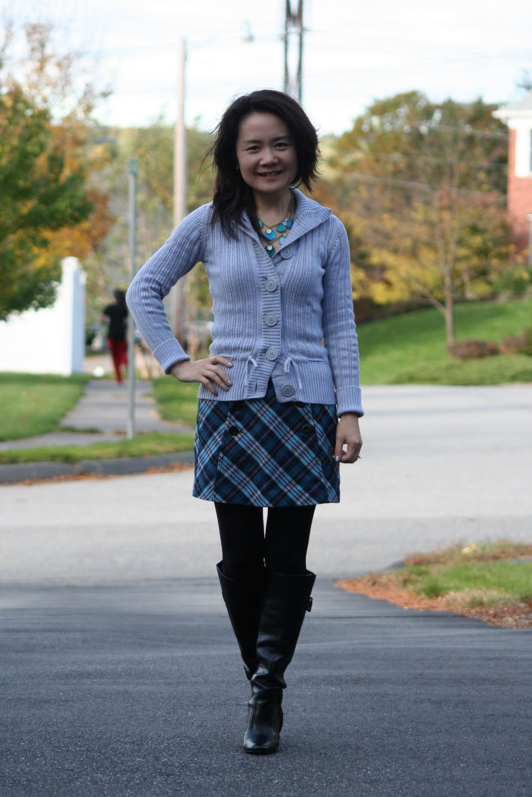 Vicky's Daily Fashion Blog: Plaid mini skirt with boots