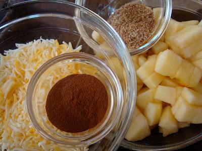 Tasty Treat Cheesy Cinnamon Apple Flaxseed Golden Woofs