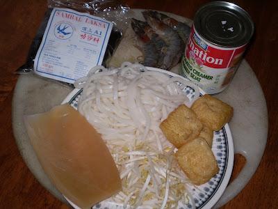 laksa noodles. laksa noodles. laksa noodles