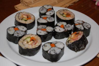 Uno de los platos de sushis preparados en la clase