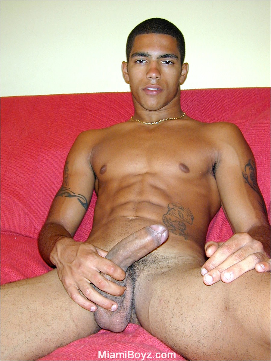 LATIN GAY SOLO