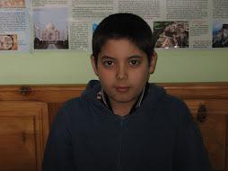 András a zavaró állomás-Kosa András 12 éves 5dikes hobbyja a foci, sakk, akció filmek