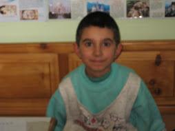 Dani-a mérlegelő - Mihály Árpád Dániel 9 éves 3dik osztályos hobbyja: a bűvészkedés