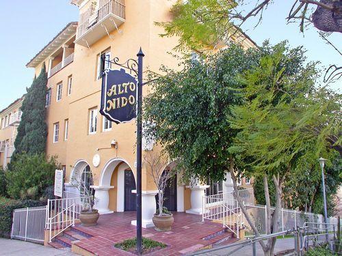 Alto Nido Apartments 1851 N Ivar Ave