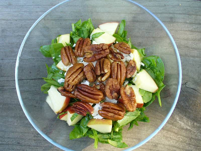Spinach pecan salad