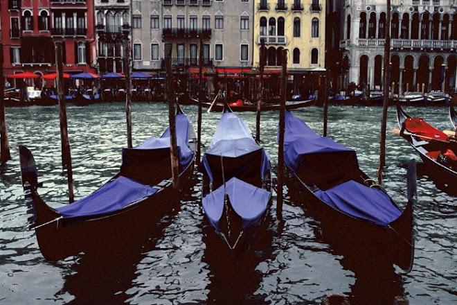 VENICE ITALY_ 3 Gondolas