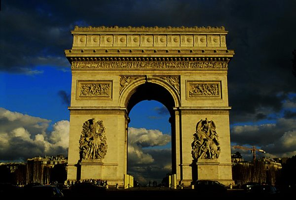 1_TRAVEL SERIES_ Paris, France_ Arc de Triomphe