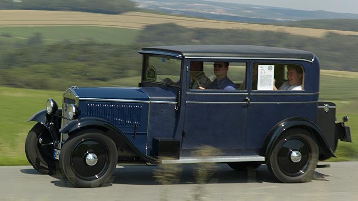HISTORY OF CAR: DKW 4=8, V 1000 saloon, 1931