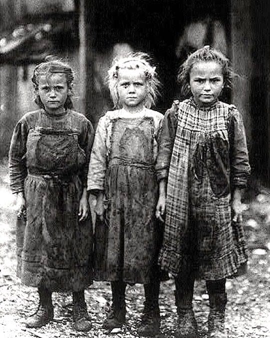 the effect of the great depression on american families in the early 1900s Throughout the early 1900s banking the income of the average american family wikimedia commons has media related to great depression in the united states.