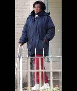 http://1.bp.blogspot.com/_CvXEhdXFheY/SQyEk_z_rGI/AAAAAAAAEsc/fqND8c16qdM/s400/obama+aunt+Zeituni+Onyango.jpg