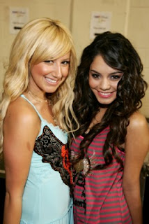 Vanessa Hudgens Hairstyle Image Gallery, Long Hairstyle 2011, Hairstyle 2011, New Long Hairstyle 2011, Celebrity Long Hairstyles 2011