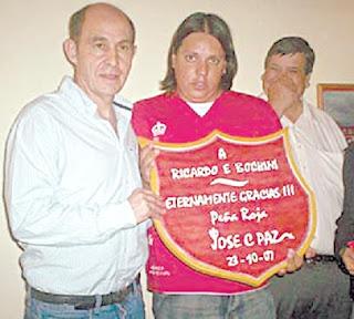Bochini Homenajeado En Jos C Paz La Caldera Del Diablo
