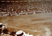 Se inaugura el primer estadio de cemento de Sudamérica
