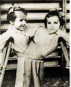 http://1.bp.blogspot.com/_Cx5YSp-ghS8/TIvc7ZbiO8I/AAAAAAAAH6Y/ppKnuo5UAP0/s200/Mengele+sew+twins+together.jpg