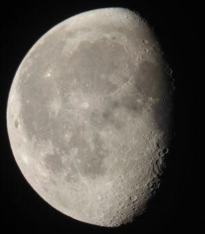 external image 227+NASA_moon_south_pole.jpg