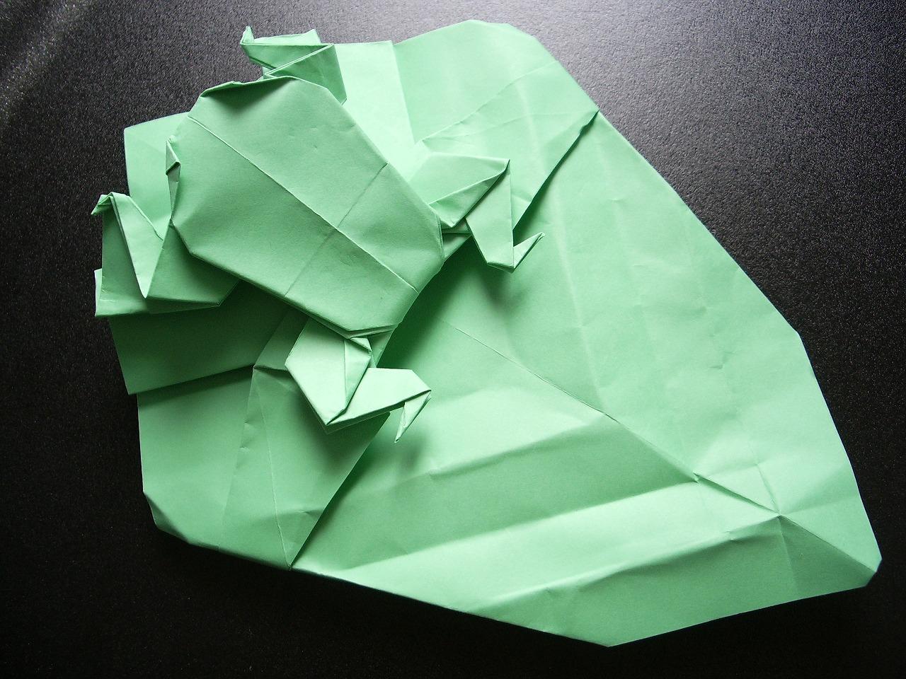 KATAKOTO ORIGAMI: Origami Frog on Origami Leaf - photo#8