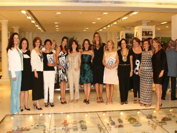 Lançamento do Livro Nos Mulheres