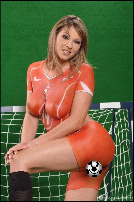 World paint girls cup body fifa