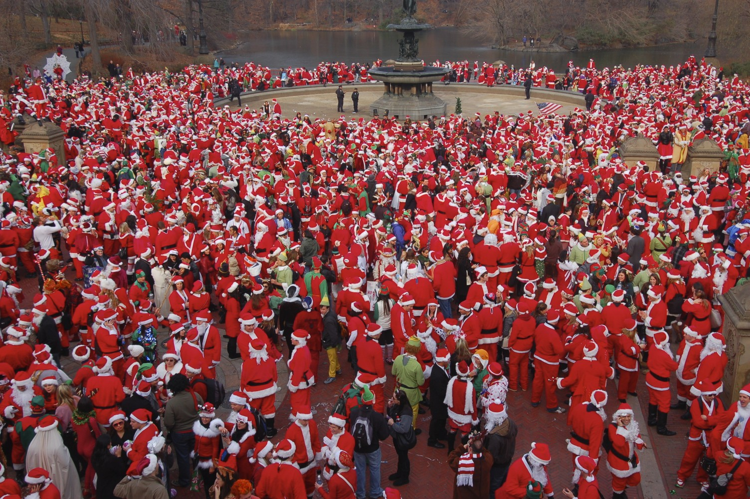 Photography Tip World Winter Traditions Santacon