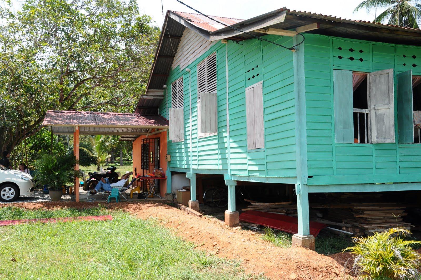 Warna Cat Rumah Kayu Kampung Dekorhom