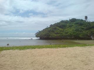 9 Foto Pantai Drini di Gunung Kidul Jogja, Peta Map Lokasi & Harga Tiket Masuk-nya