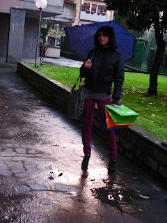 http://s-fashion-avenue.blogspot.it/2011/01/colors-under-rain.html