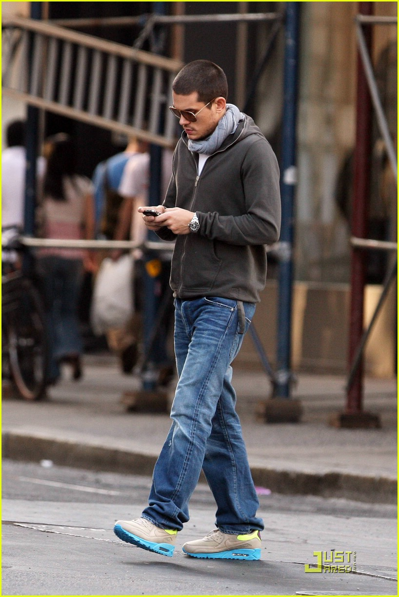JM Kicks: John Mayer pictured in Nike Air Max 90 Shagmeister