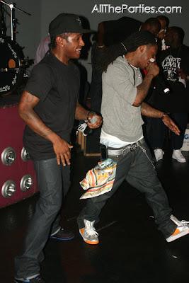 Lloyd%26Wayne Lloyd ft. Lil Wayne, Trey Songz - All Around the World (remix)