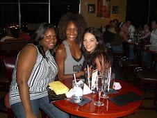 Jessica, Venita and moi enjoying a dessert