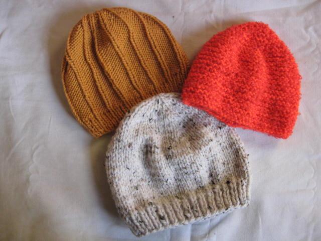 4d15a4196db5 Mes petites mains tricotent  bonnets et moufles