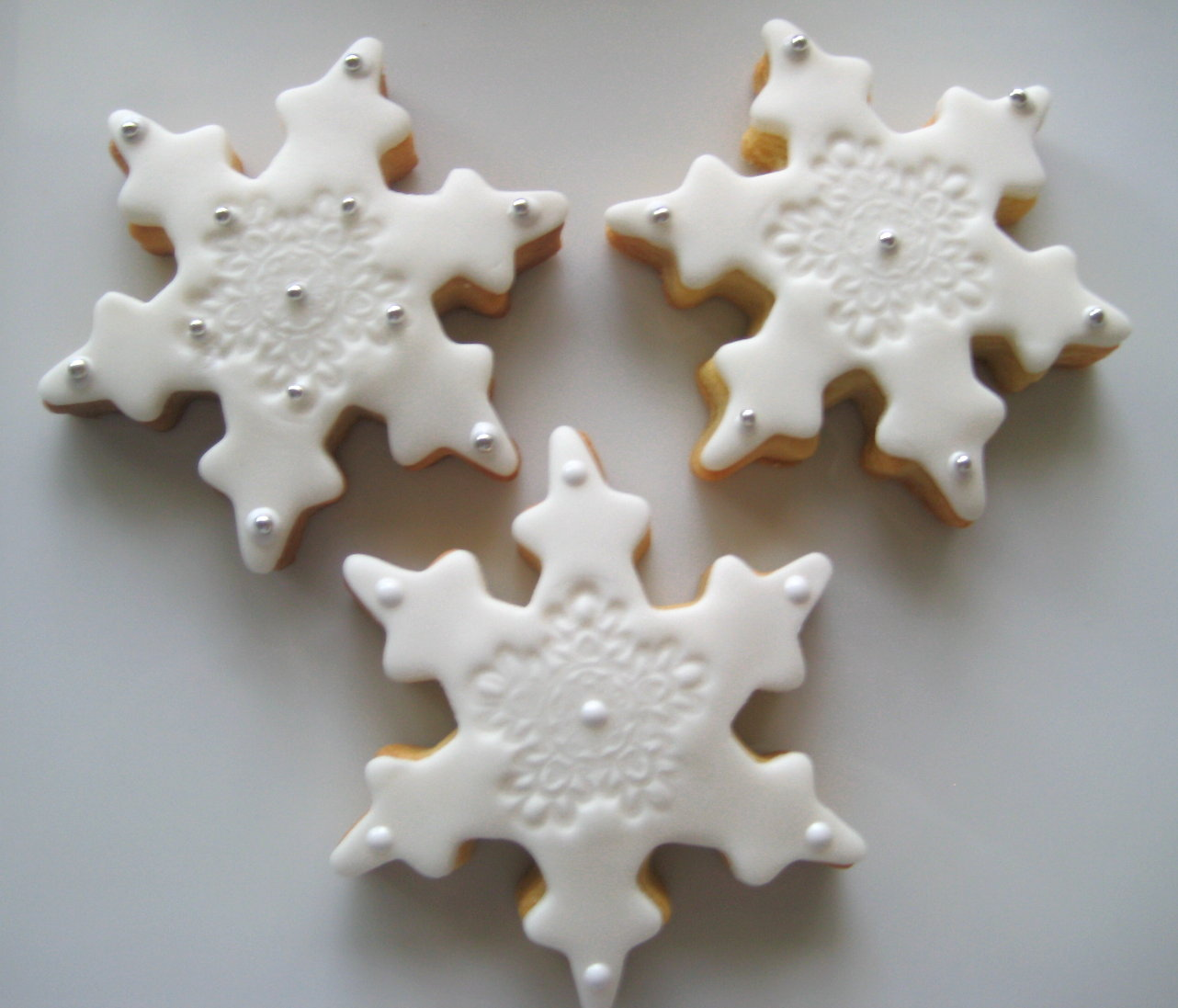Pictures Of Decorated Christmas Sugar Cookies: Bubble And Sweet: White Christmas Snowflake Decorated