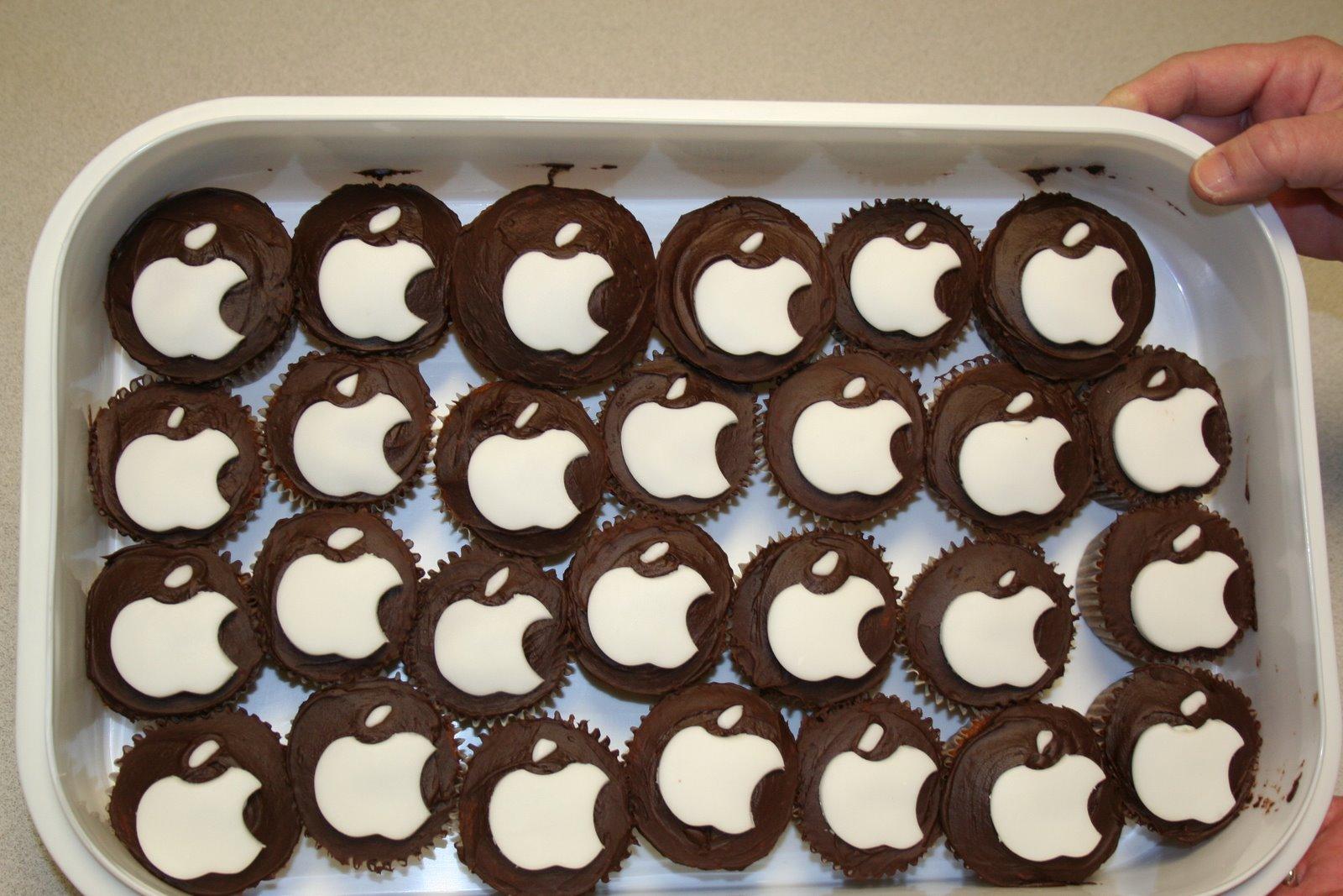 [apple+cupcakes+001.jpg]