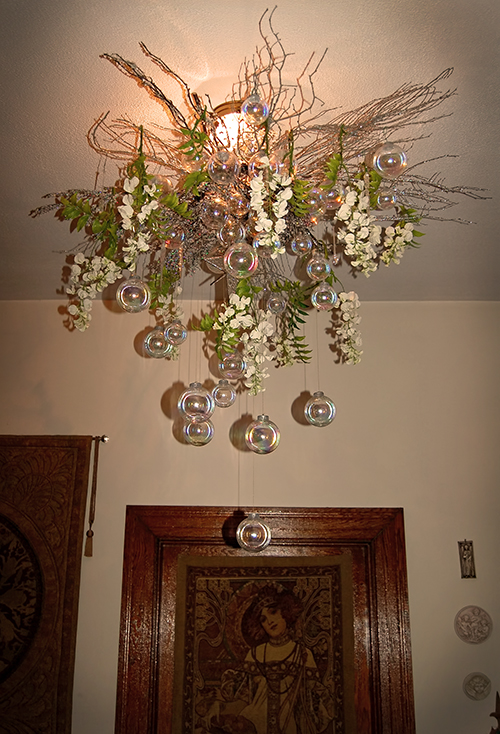 I Made This Chandelier Last Christmas Because Our Mucha Foyer Deserved Something Magical Year Added The White Flowers
