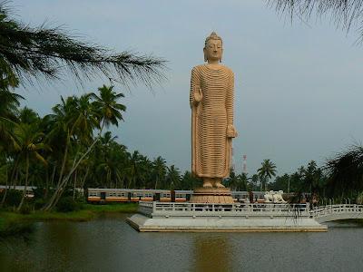 Imagini Sri Lanka: monument tsunami Hikkaduwa