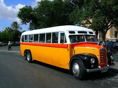 Obiective turistice Malta: autobuz clasic maltez